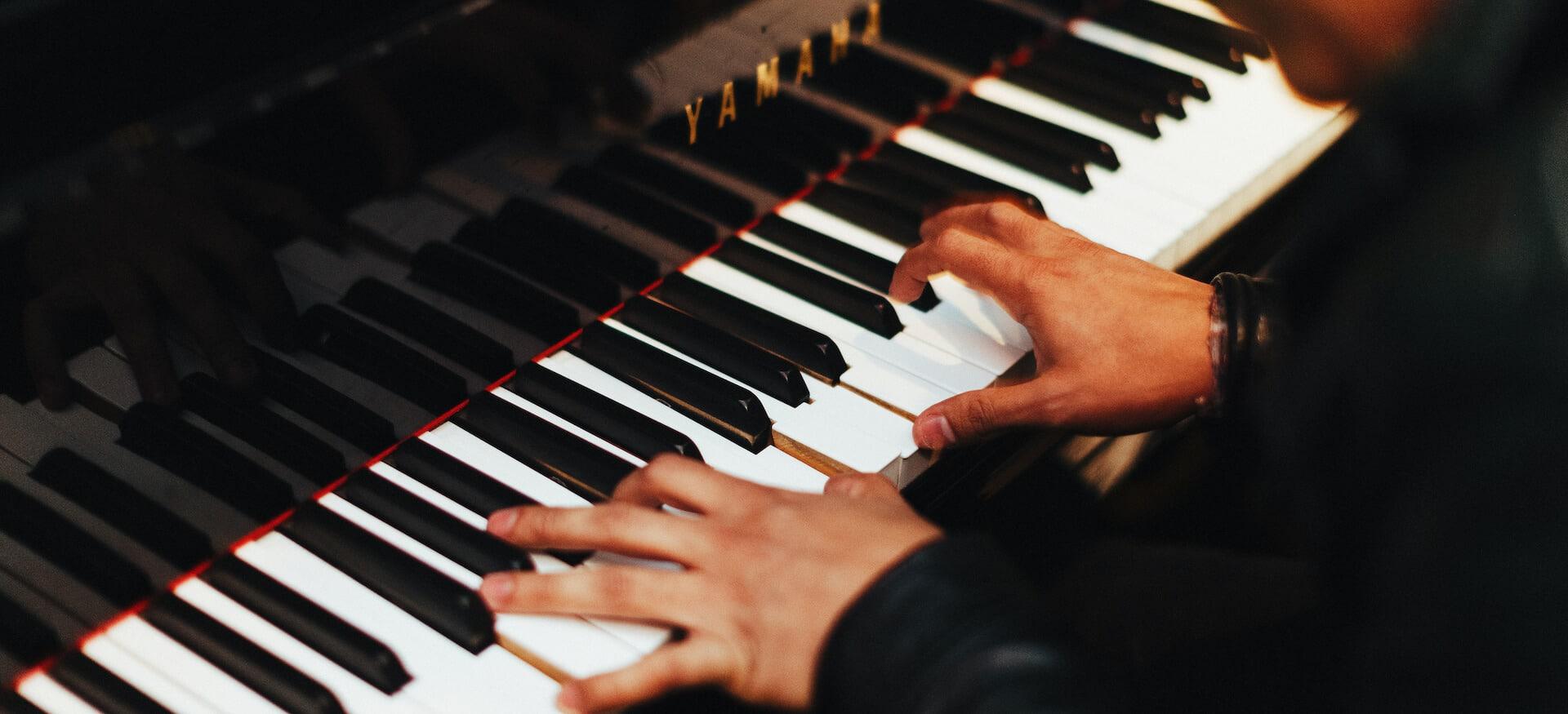 Piano und Klavier spielen lernen
